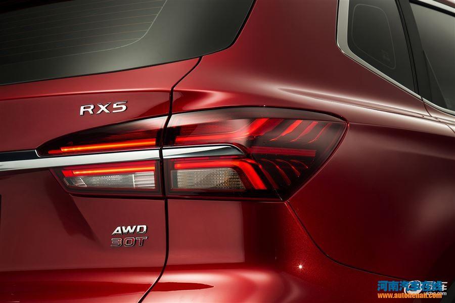 全球首款量产互联网汽车 荣威RX5亮相郑州中原国际汽车展览会高清图片